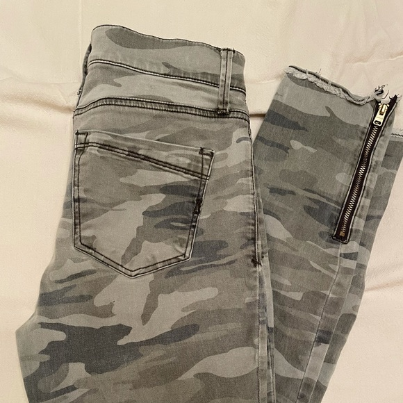 Express Stretch Ankle Legging in Camo